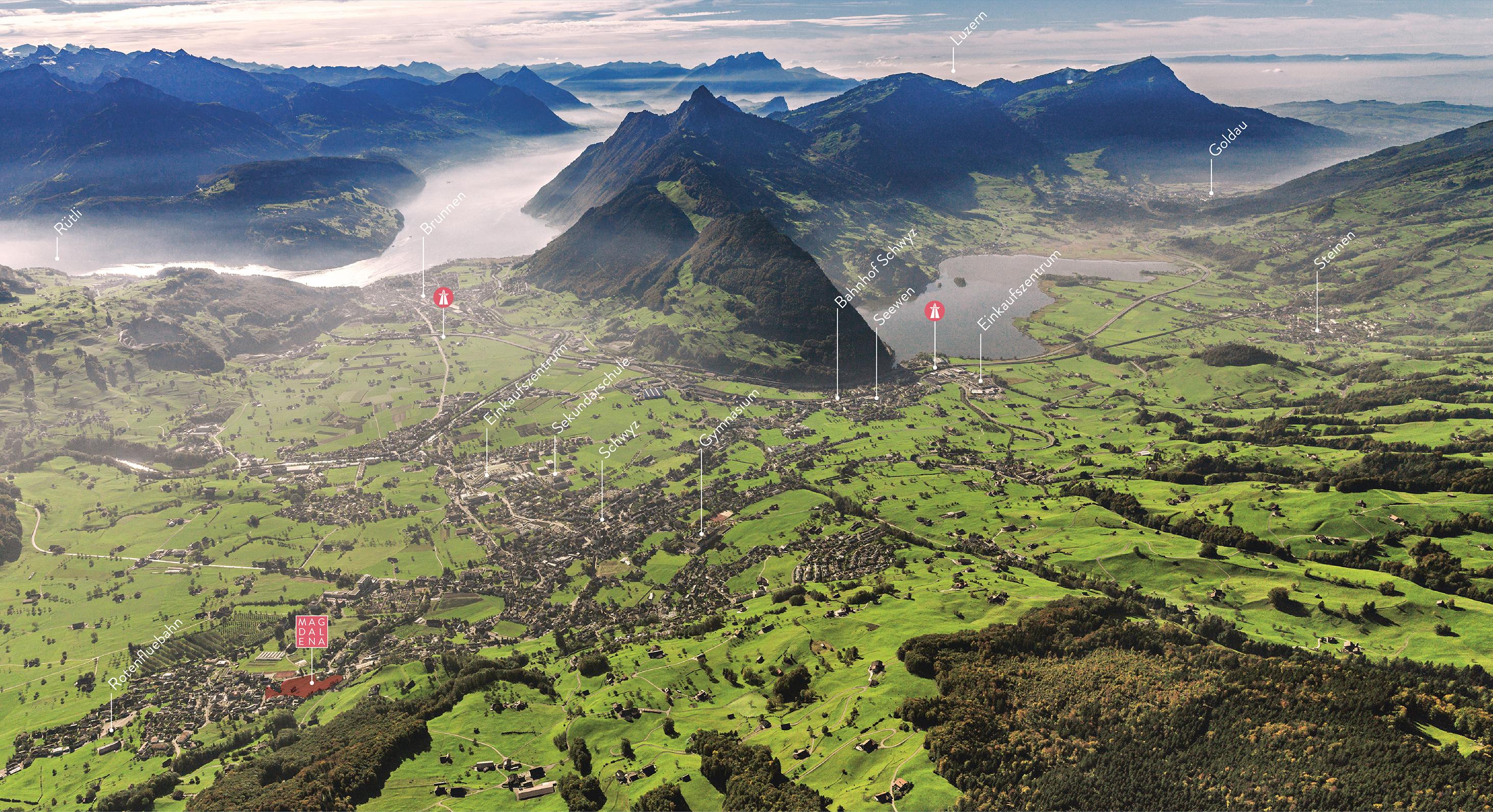 Talkessel Schwyz mit Sicht auf Seen und Berge